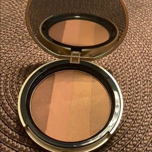 (New swatched) too faced bronzer